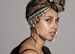 How to Nail Alicia Keys' No-Makeup Look Using This One Product
