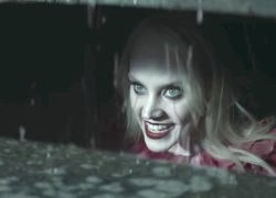SNL Turns Kellyanne Conway into 'Pennywise' the Terrifying Killer Clown from 'IT' - WATCH