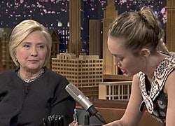 Miley Cyrus Breaks Down in Tears While Writing a Thank You Note to Hillary Clinton